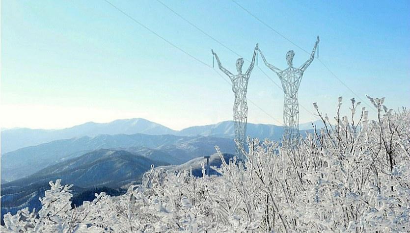 Land Of Giants: Elektrik Direkleri İle Görsel Şölen