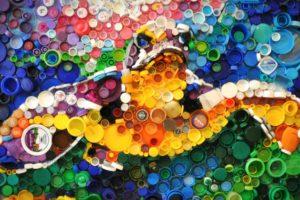 Plastik Şişe Kapakları ile Yapılan Harika Mozaik Tablolar