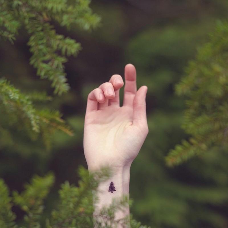 el dövmeleri bilek dövmeleri çam ağacı