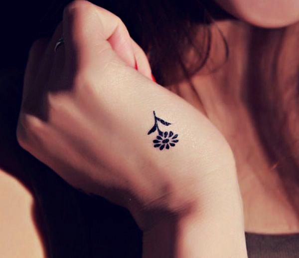 el dövmeleri çiçek dövmesi