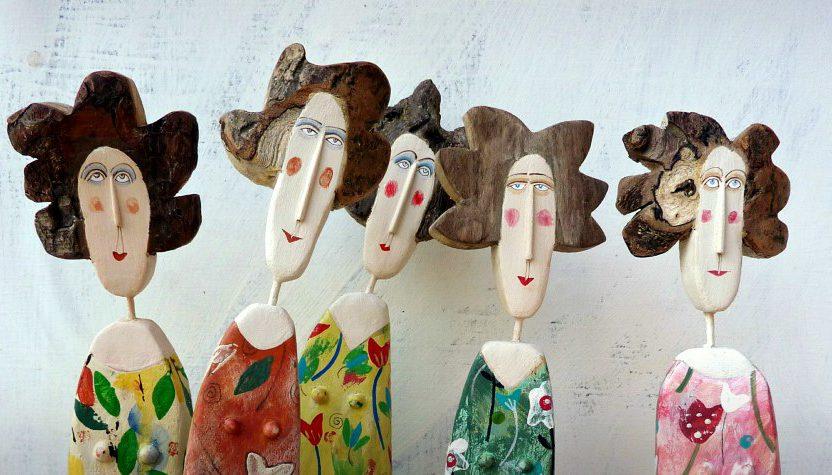 Lynn Muir: El Boyaması Driftwood Heykeller