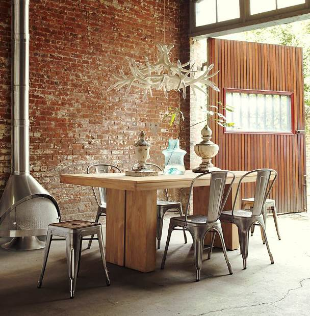 Ünlü aydınlatma ve mobilya tasarımları Xavier Pauchard Tolix Chair